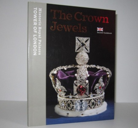 Sally Dixon-Smith m. fl. The Crown Jewels.